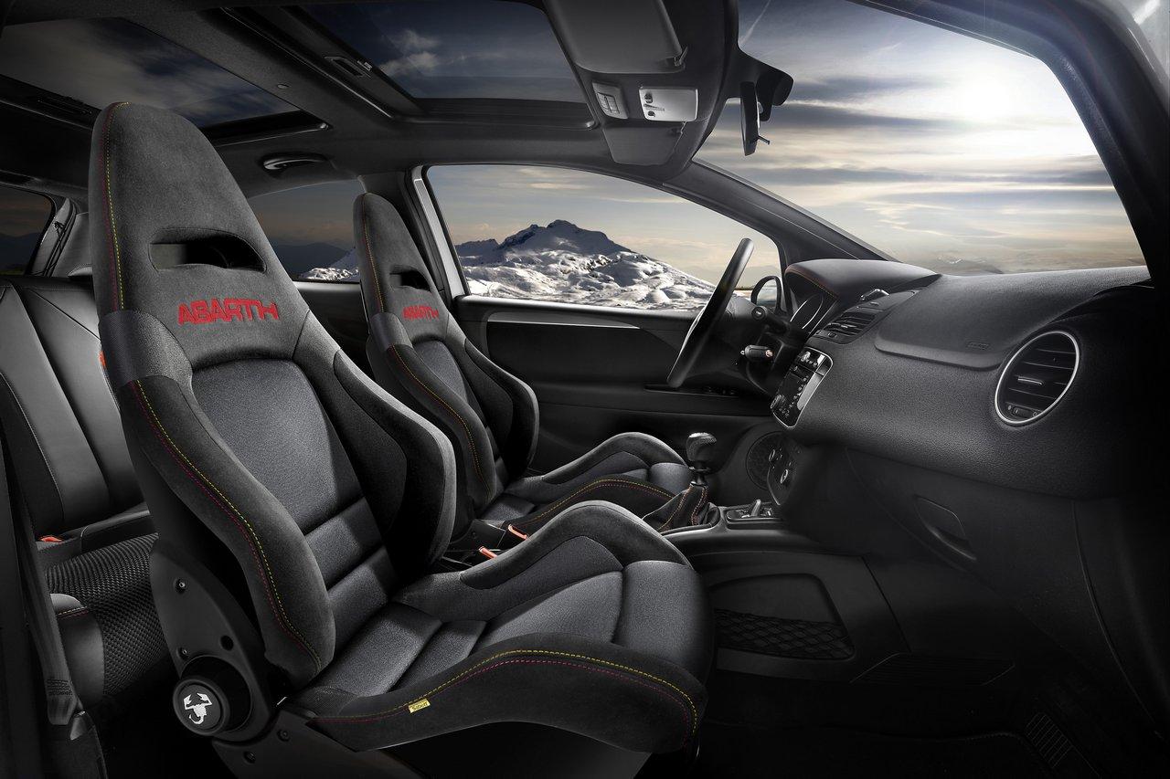 Fiat lanserar tva miljobilar
